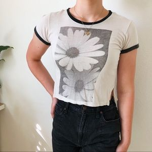 Brandy Melville cropped daisy t-shirt